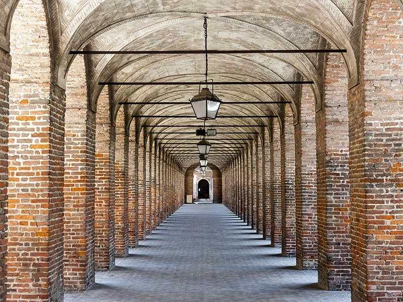 sabbioneta_colonnato_palazzo_vespasiano